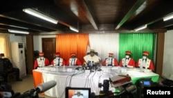 Ketua Dewan Konstitusi Pantai Gading, Mamadou Kone, mengumumkan hasil akhir pilpres pada 31 Oktober, di Abidjan, Pantai Gading, Senin, 9 November 2020.