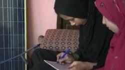بارودی سرنگ پھٹنے سے پاؤں سے محروم ہونے والی افغان لڑکی