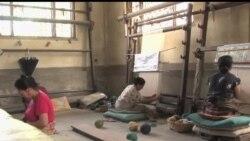 2013-05-28 美國之音視頻新聞: 尼泊爾西藏難民逆境中堅守民族傳統
