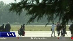 """Mbërrijnë në Shqipëri 5 gra dhe 14 fëmijë nga kampi """"Al Hol"""" në Siri"""