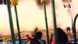 Sóng khổng lồ xô ngã xe ở Chile
