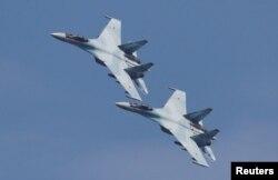 전투기 수호이-35가 러시아 랴잔 상공을 비행하고 있다. (자료사진)