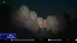 Presidenti fillon festimet e 4 Korrikut me një tubim në Monumentin e Malit Rushmore