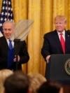 در مراسم رونمایی از طرح صلح خاورمیانه در کاخ سفید، نخست وزیر اسرائیل نیز حضور داشت.