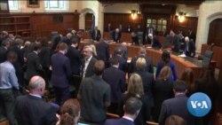 英语视频:英国首相约翰逊面临政治生存之战