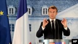Des chefs d'Etat du G5 Sahel se réunissent avec Macron