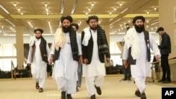 Delegasi Taliban tiba di Doha, Qatar menjelang perundingan dengan perwakilan pemerintah AS (foto: dok).