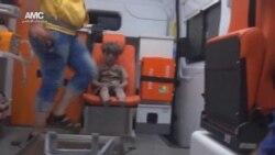 Video muestra el rescate de niño y su familia en Aleppo