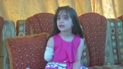 Iraqi Girl Loses Right Hand in IS Bombing