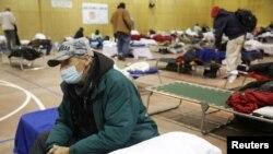 Sid Snow, de 72 años, pasa la noche en las instalaciones del Salvation Army, después de que el clima invernal provocara cortes de electricidad en Plano, Texas, EE.UU., el 18 de febrero de 2021.