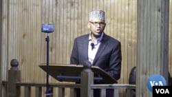 Sheikh Abdirahman Sharif delivers Friday sermon at Dar al-Hjira mosque in Minneapolis on Nov 5, 2018.