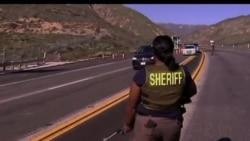 2013-02-13 美國之音視頻新聞: 洛杉磯一名在逃前警察的命運未明